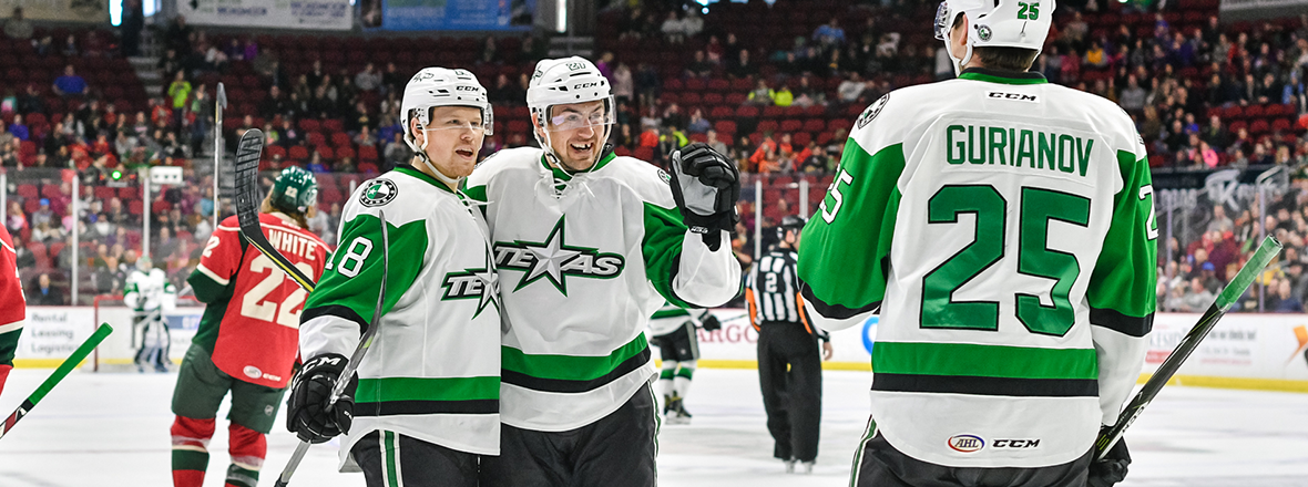 Big Second Period Lifts Stars to 6-3 Win Over Iowa