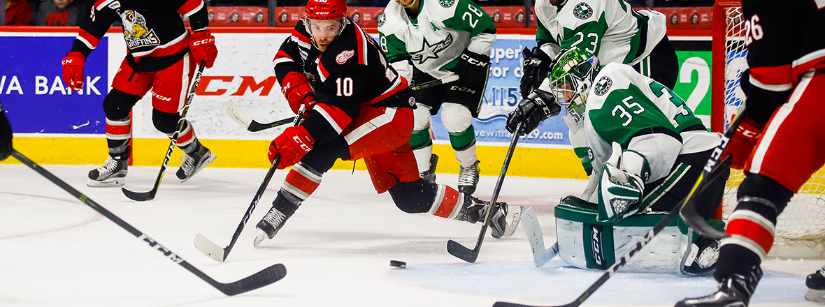 Stars Fall Short to Griffins in Shootout, 3-2