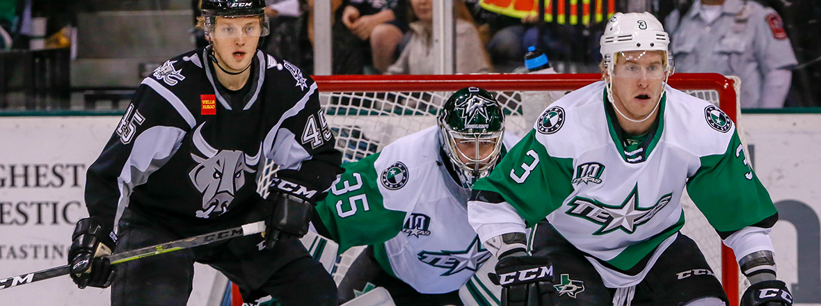 Stars Rush Back to Earn 5-2 Win Over Rampage