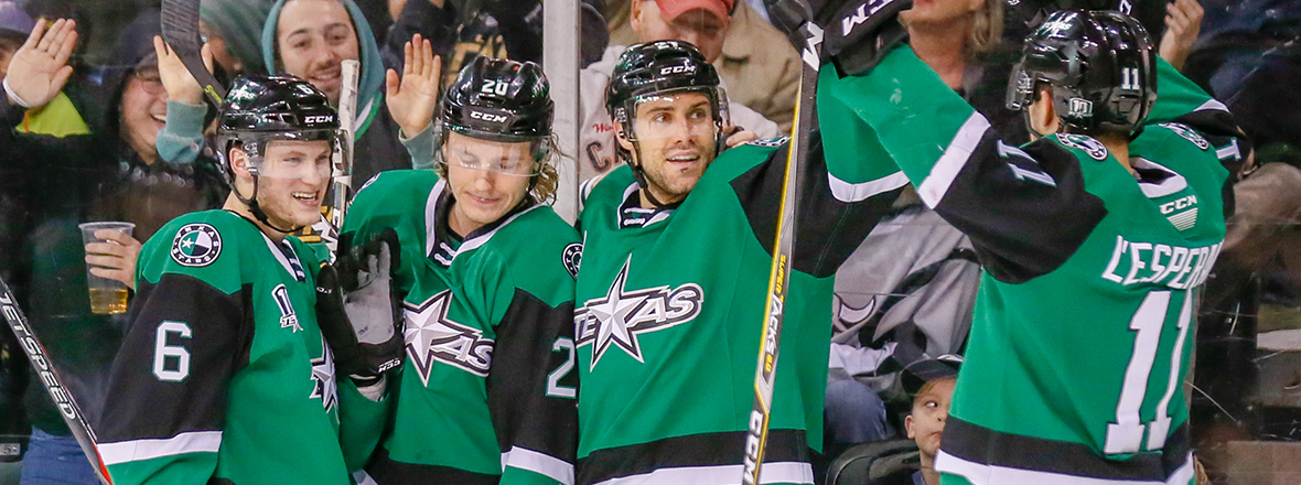 Stars Earn Fifth Straight Home Win in 5-2 Victory