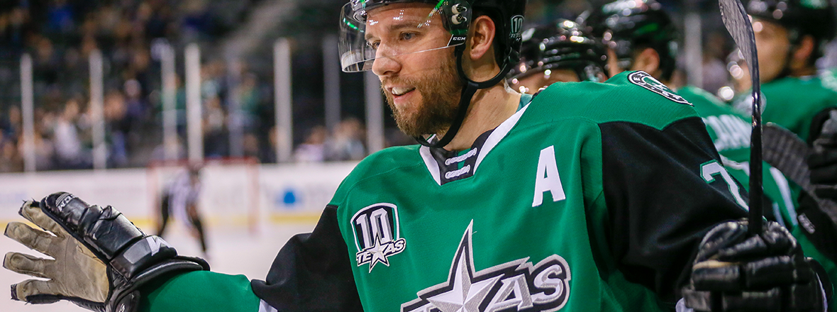 Stars Extend Home Point Streak in 3-2 Victory