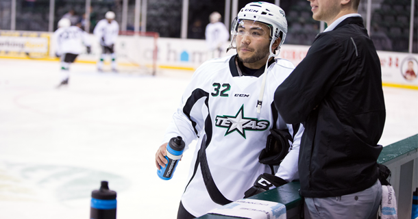 thumb20151003_Stars_Reduce_Training_Camp_Sign_Magee.png